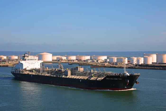 Oil tanker, Le Havre
