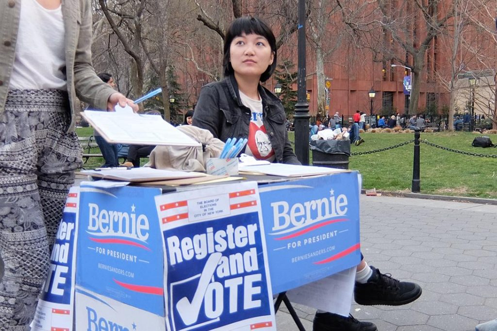 Registering Voters in New York Photo credit: owlin aolin / Flickr (CC BY 2.0)