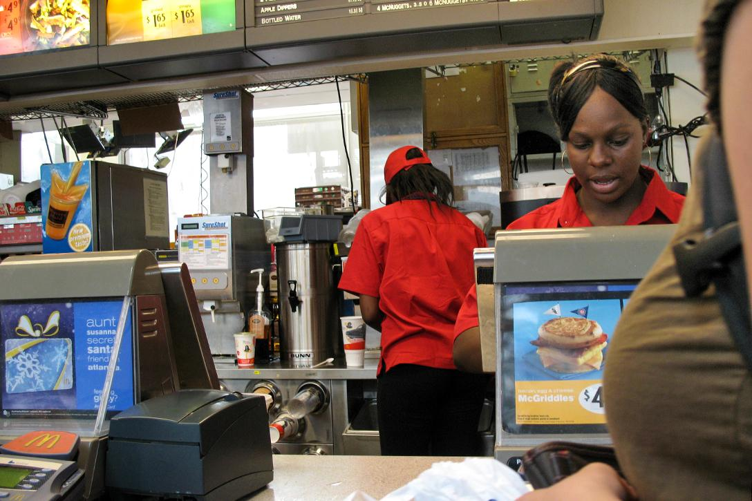 Fast food workers Photo credit: Consumerist Dot Com / Flickr (CC BY 2.0)