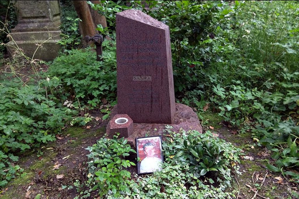 Alexander Litvinenko's grave. Photo credit: Cory Doctorow / Flickr (CC BY-SA 2.0)