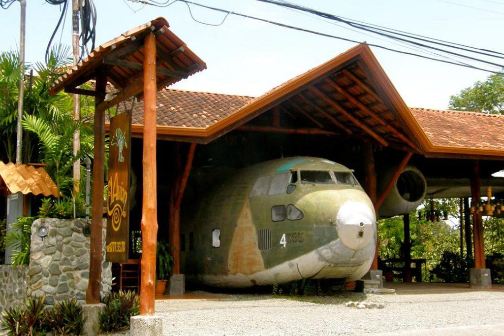 Iran-Contra, Fairchild C-123
