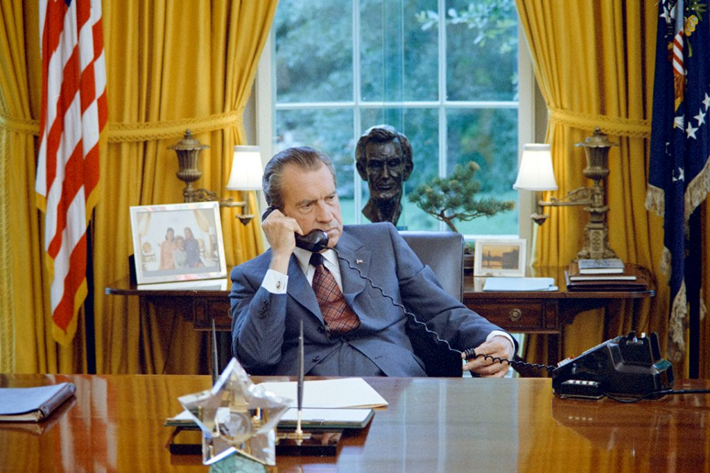 Richard Nixon, Oval Office