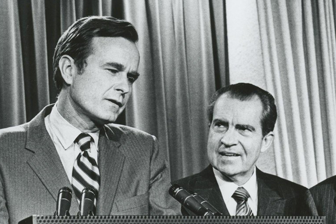 nixon and watergate Nixon resigns the watergate scandal began early in the morning of june 17, 1972, when several burglars were arrested in the office of the democratic national committee, located in the watergate .