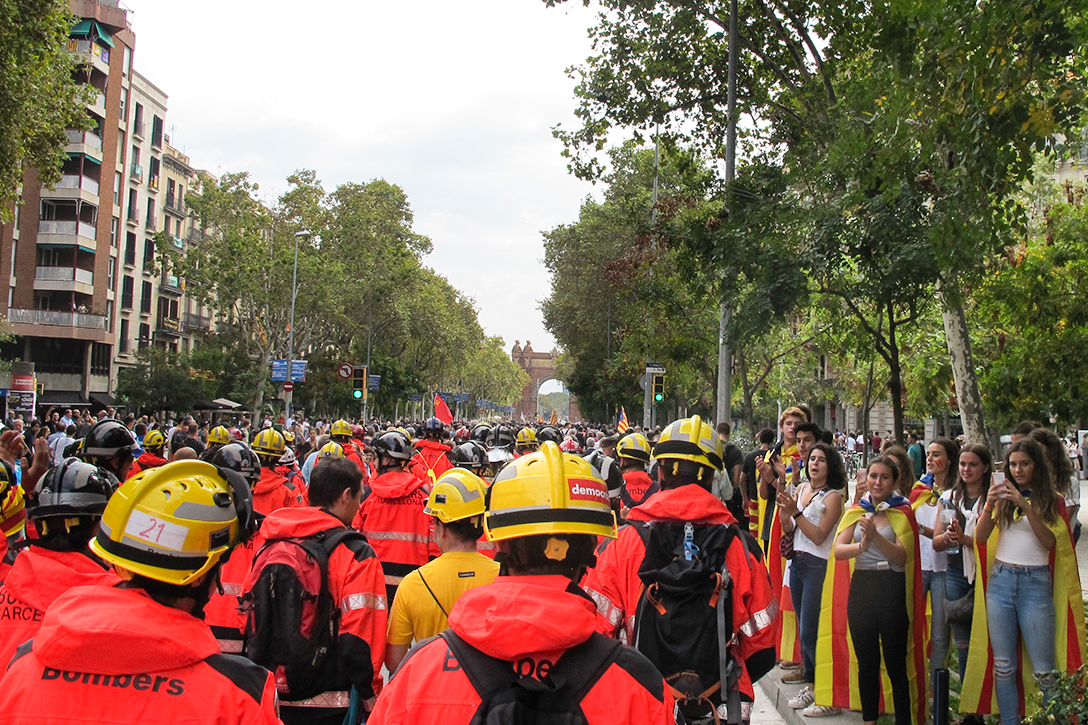 protesters, firefighters, Barcelona