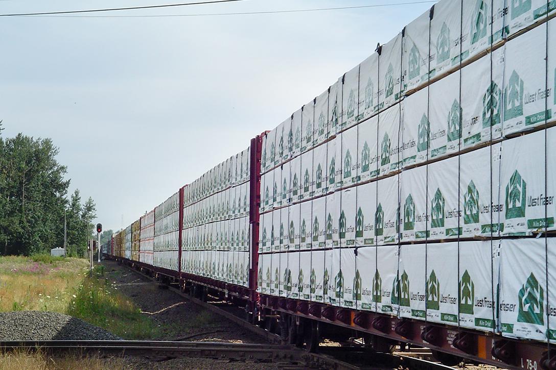 Canada, lumber, train