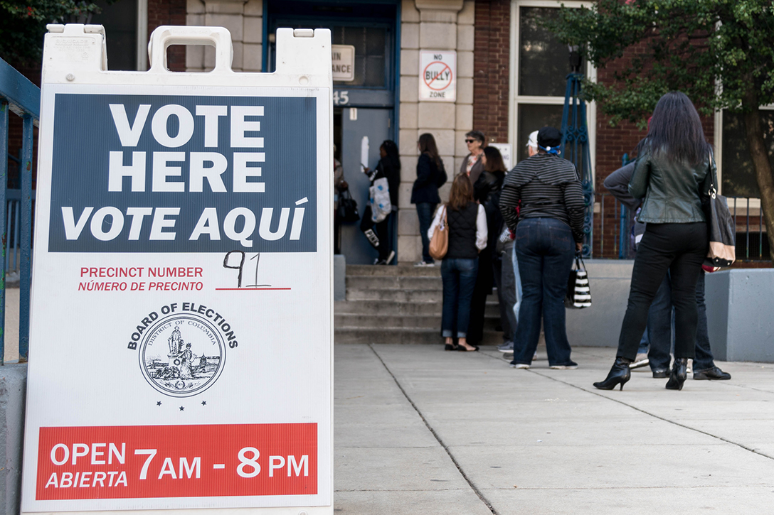 voting sign, voting line