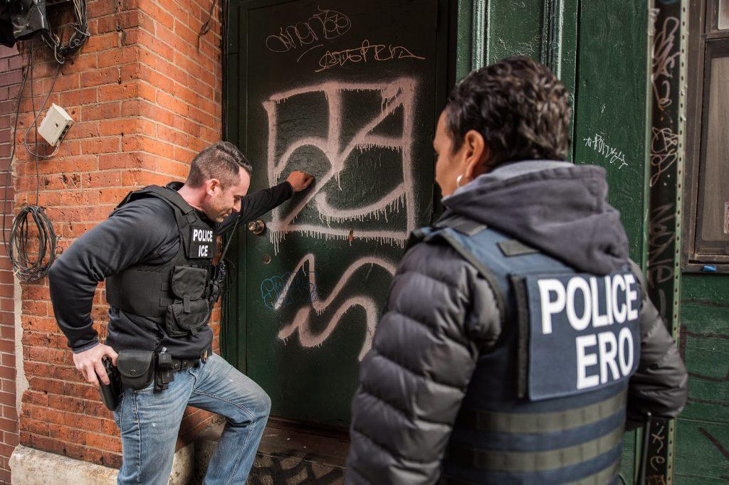 Police ICE, Police ERO, Door, Cop