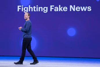 journalism, Facebook, news tab