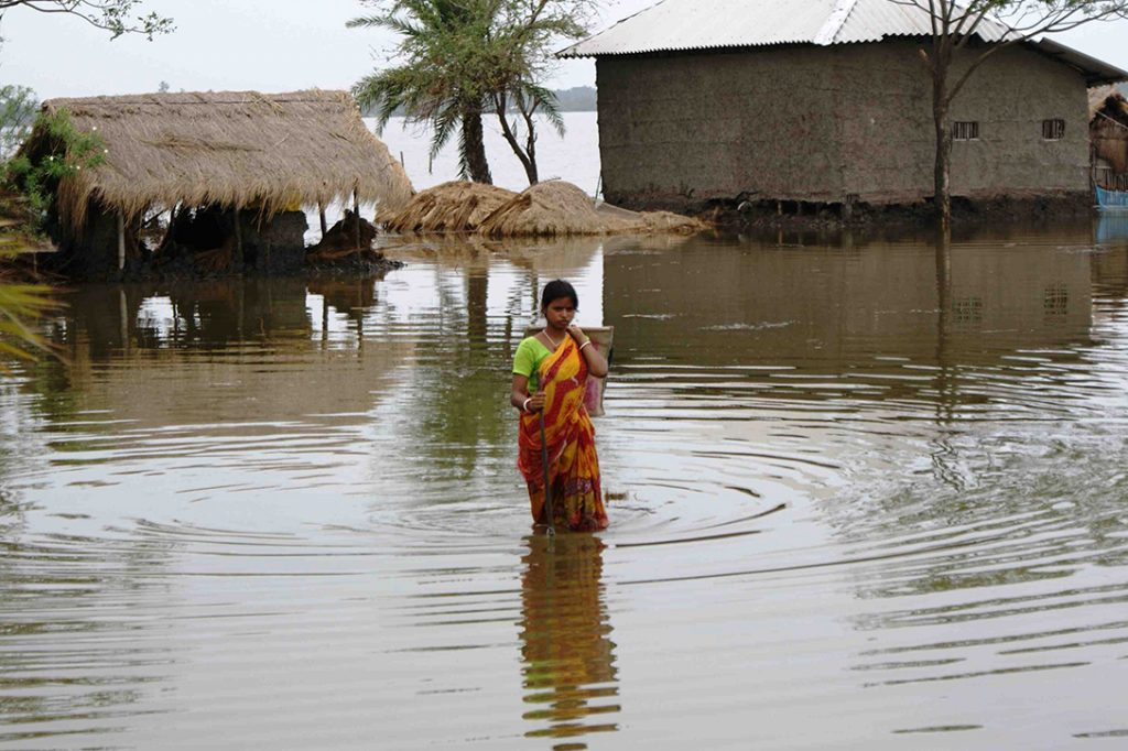 Cyclone Aila, flood victim, India