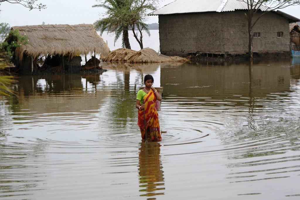Cyclone Aila, flood victim, India
