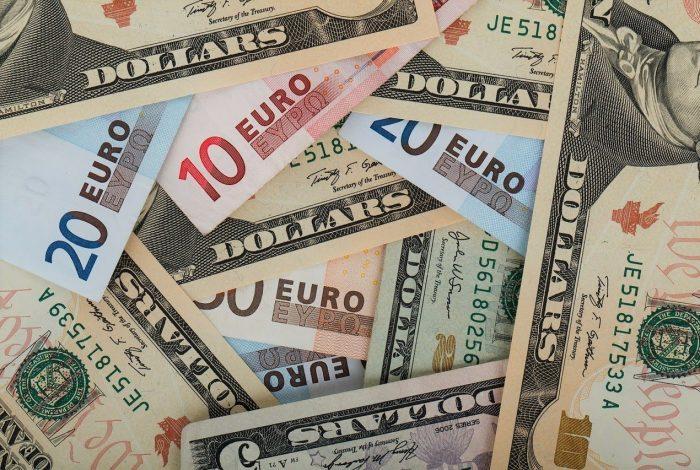 Dollars, Euros