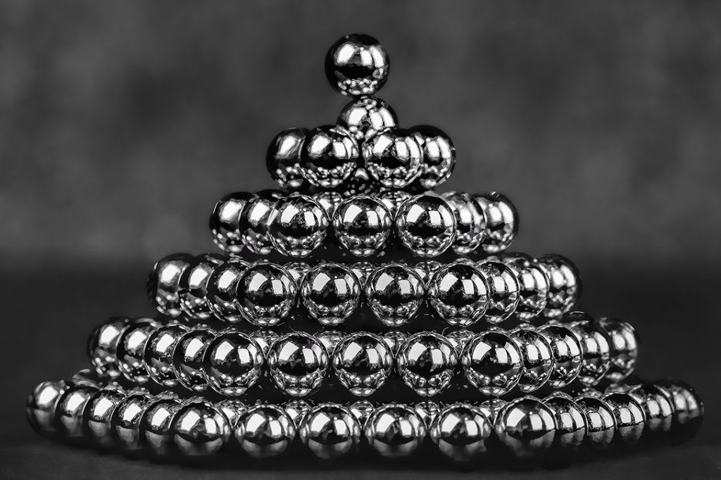 Magnet Ball Pyramid