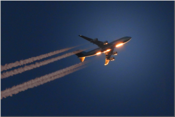 climate crisis, airplane altitude, contrails