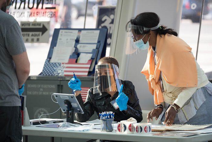Poll workers, Brooklyn