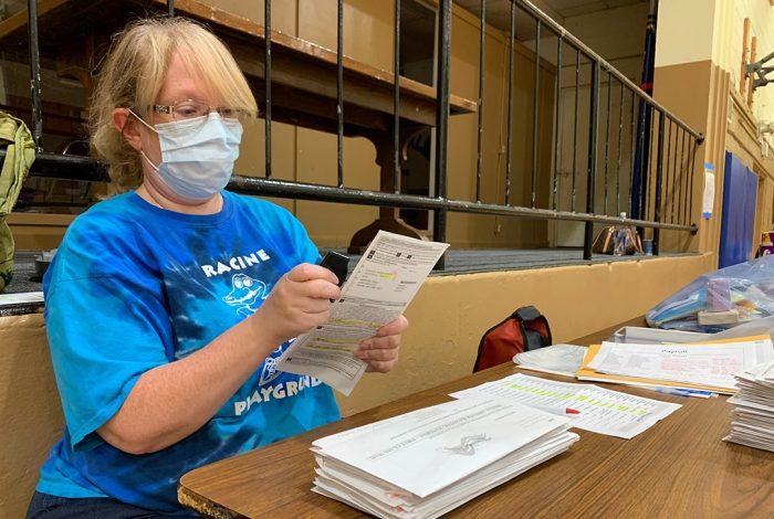 Poll worker, Racine, WI
