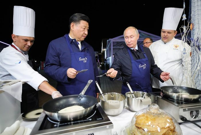Xi Jingpingm Vladimir Putin, pancakes