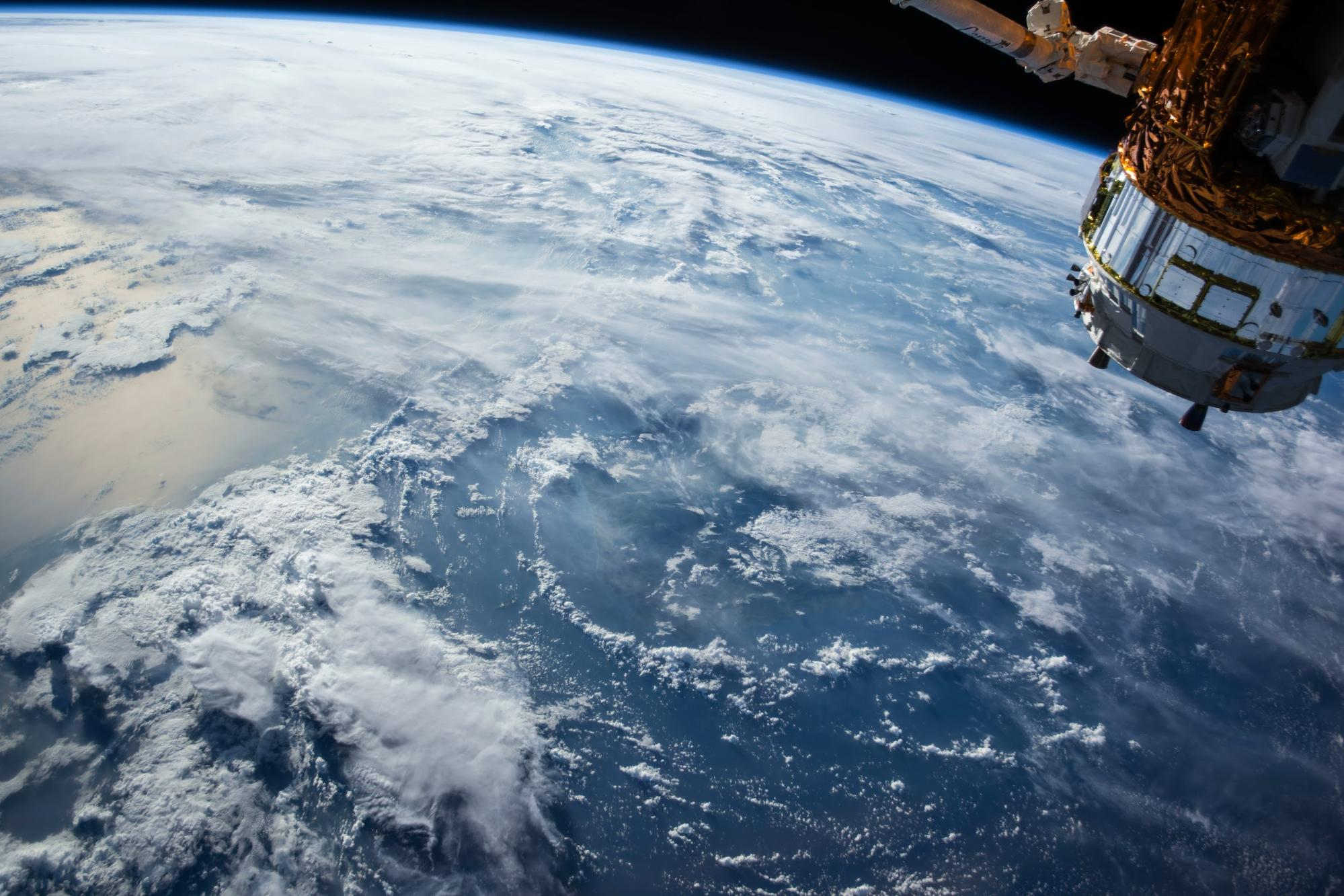space claw, orbiting junk, European Space Agency, cleanup