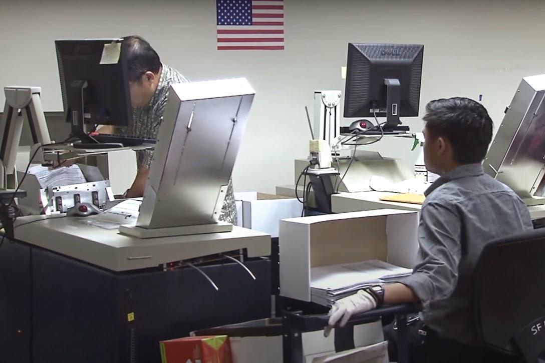 Dominion, Optech 400-C, ballot scanner