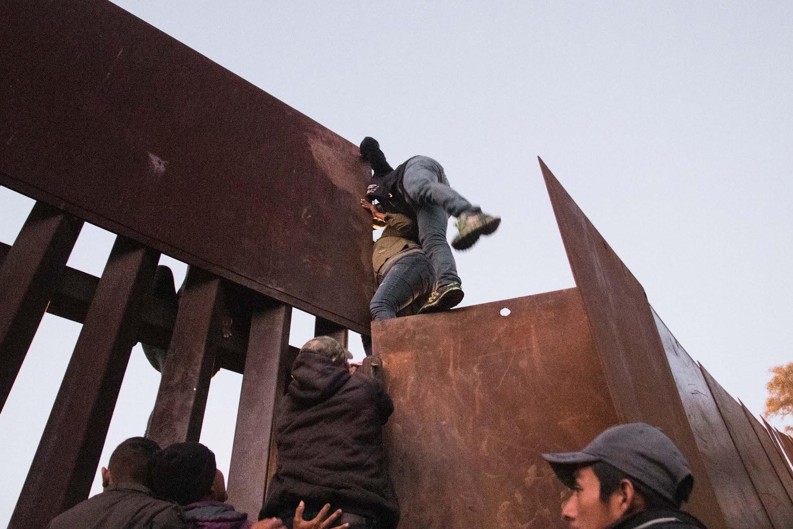 scale border wall, Tijuana