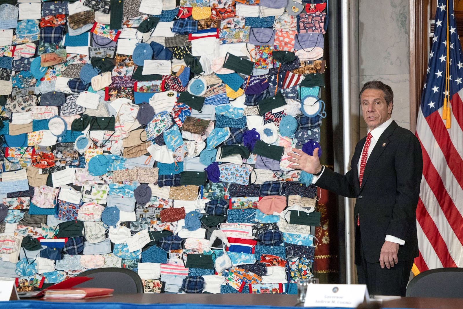 New York, Governor, Andrew Cuomo, mask wall