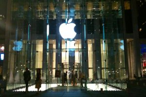 Apple, Facebook, tracking, personal data, privacy