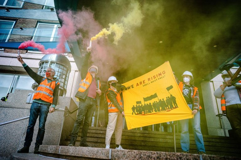 Royal Dutch Shell, shareholders, meeting