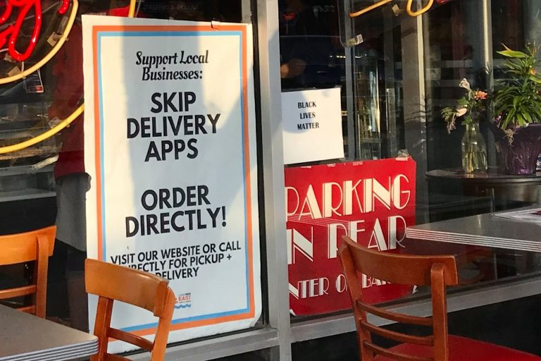 The Bagel restaurant, sign