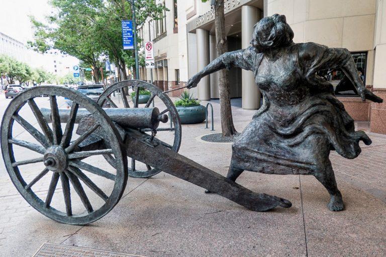 Angelina Eberly Statue, Austin, Texas