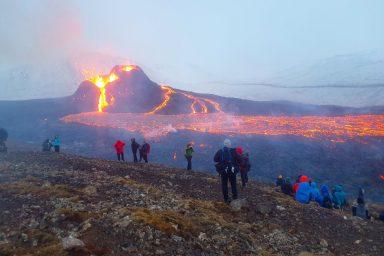 Geldingadalir eruption, Iceland, spectators