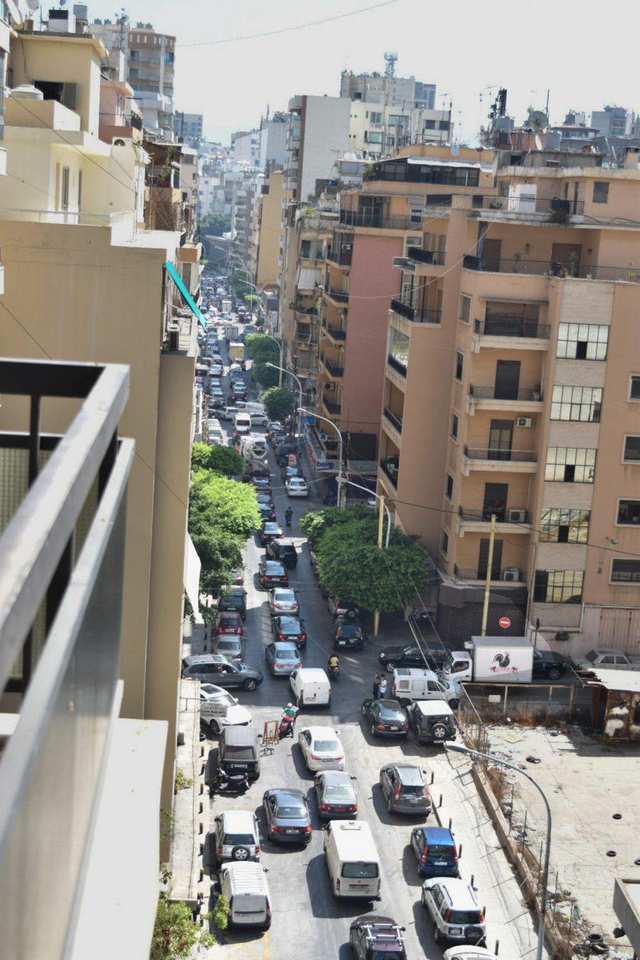 Lebanon, Long lines, gas stations