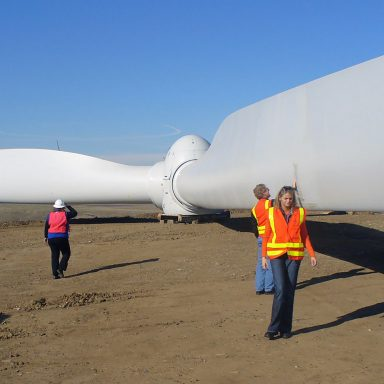 Do Green Energy Jobs Pay as Well as Fossil Fuel Work?