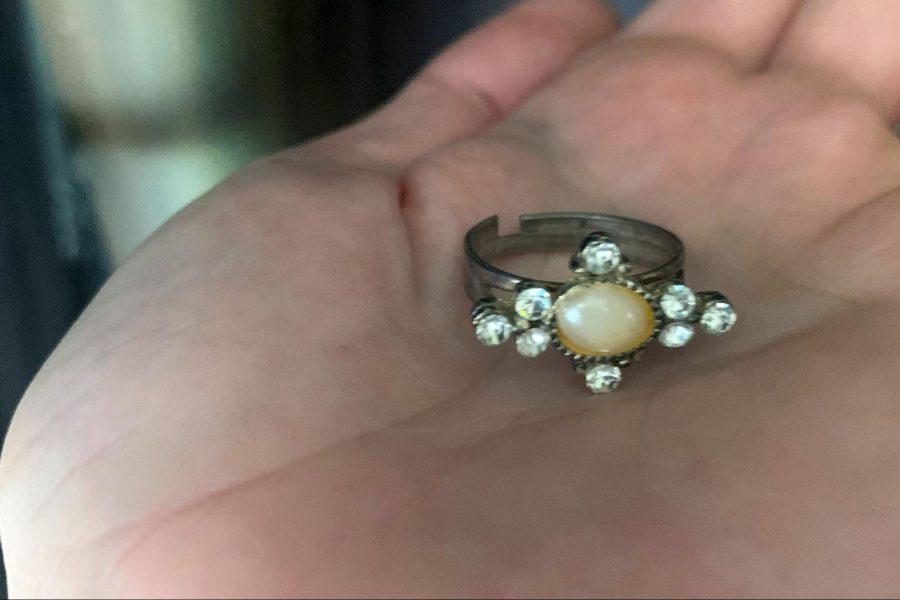 Najeeba's gift, ring