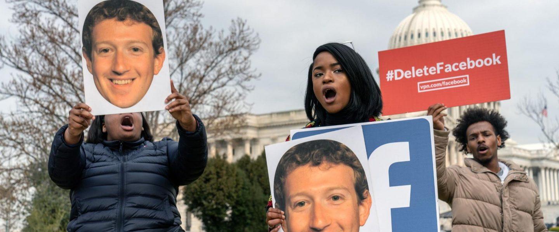 Facebook, protesters, delete